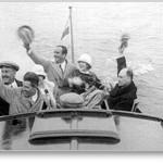 1924 Mary Pickford och Douglas Fairbanks ses vinka i sittbrunnen på Loris tillsammans med bland andra Ivar Kreuger